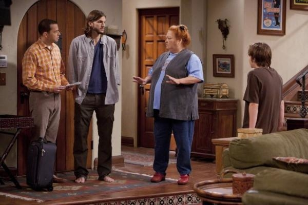 Two and a Half Men  IX (9)