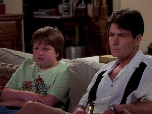 Two and a Half Men  IV (21)