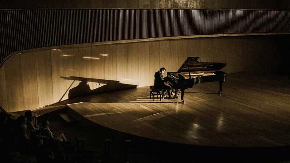Film Bůh piana