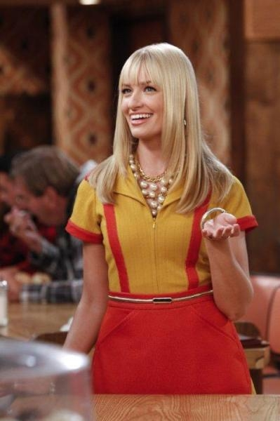 2 Broke Girls  II (2)