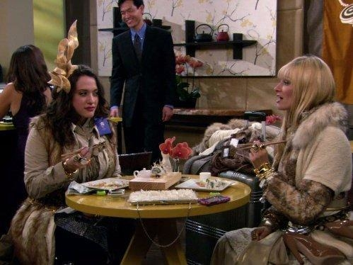2 Broke Girls  I (4)