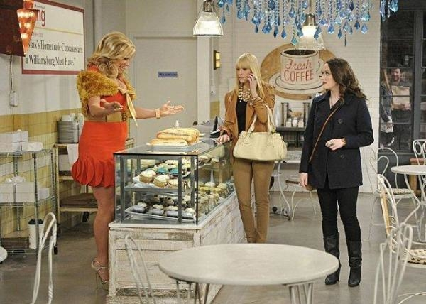 2 Broke Girls  II (11)