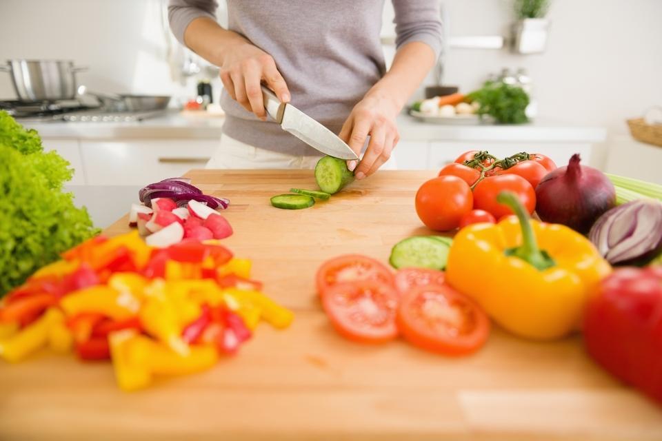 Dokument V Májině kuchyni