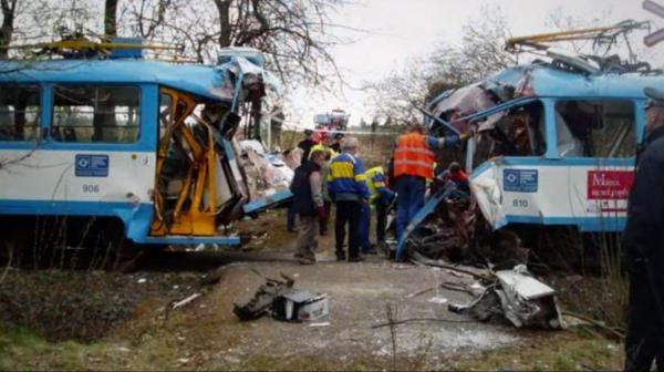 Dokument Legendy záchranářství: Autobusy a tramvaje