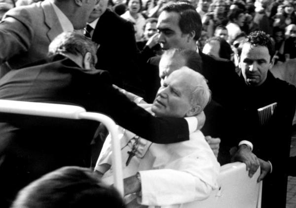 Atentát na papeže