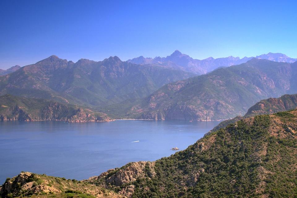 Dokument Korsika, středomořská kráska