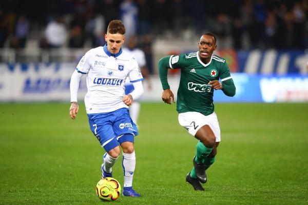 Paris FC - AJ Auxerre