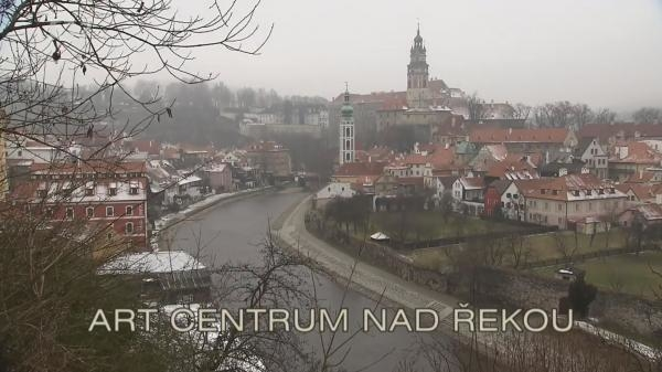 Art centrum nad řekou