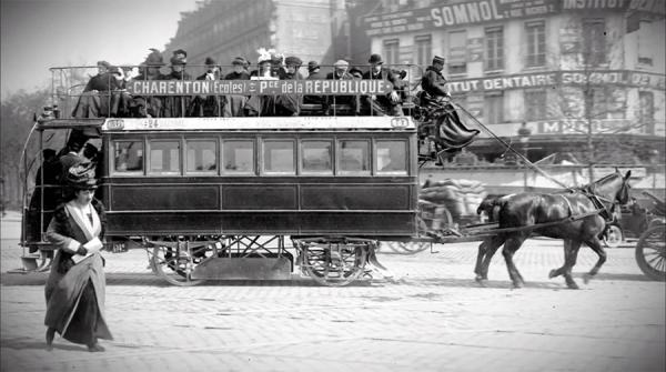 Dokument Paříž v pohybu