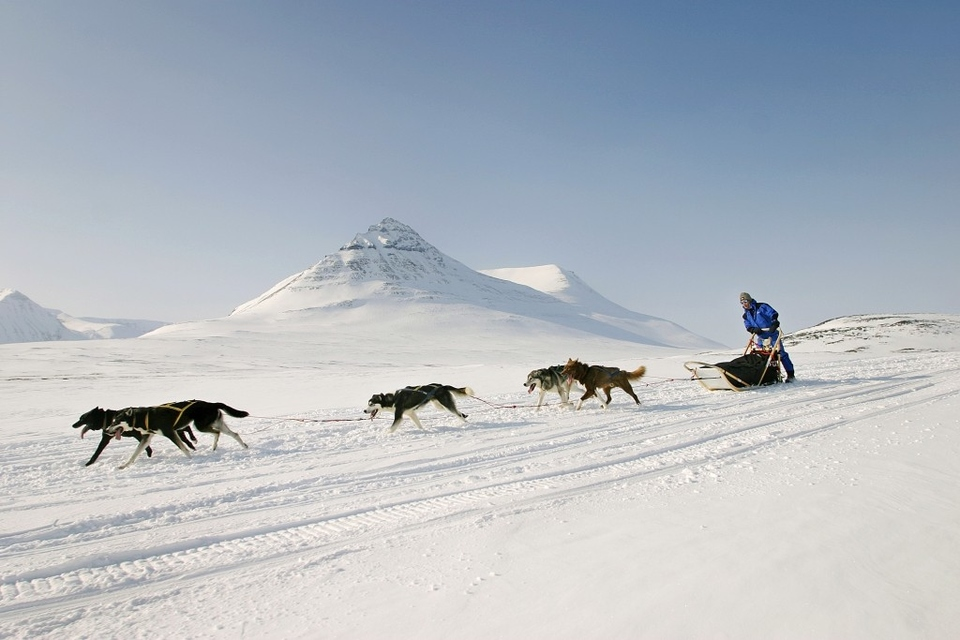 Dokument Fjällräven Polar severskou divočinou.