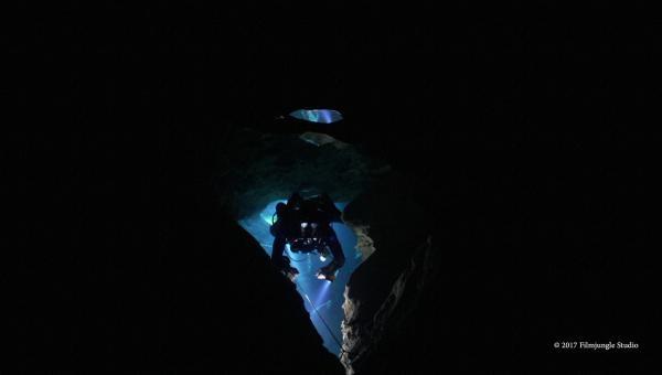 Jeskynní potápění pod Budapeští