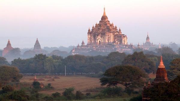Dokument Barma, země tisíce pagod