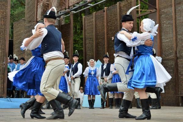 Folklórne slávnosti Myjava 99; Trenčín, dolinečka