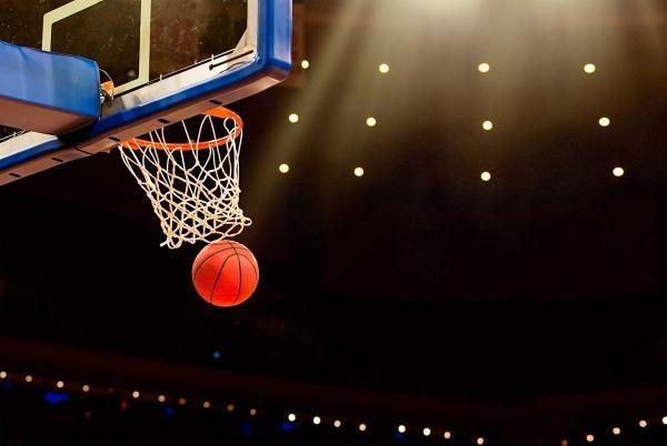 Basketbal: ZVVZ USK Praha - Castors Braine
