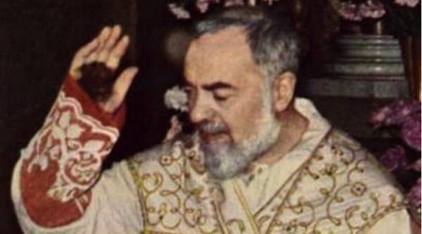 Dokument Otec Pio, tvůrce milosrdenství