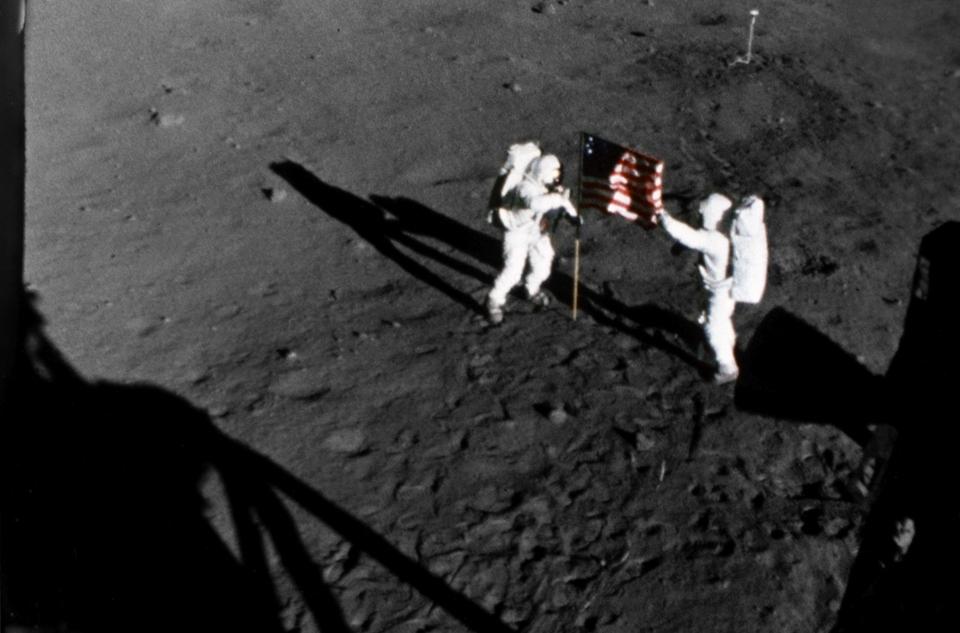 Dokument Zpátky na Měsíc