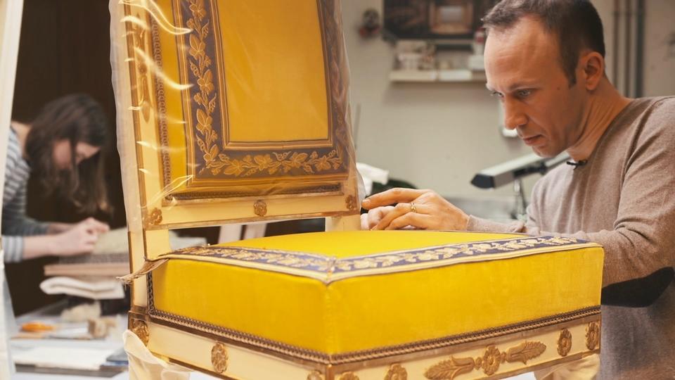Dokument Versailles za kulisami