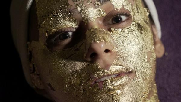 Dokument Obchody se životem a smrtí – zlato