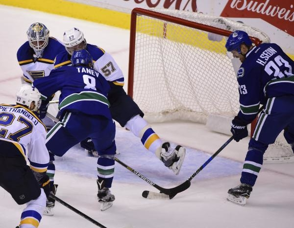Vancouver Canucks - St. Louis Blues