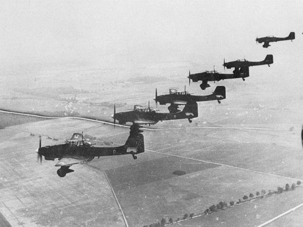 Luftwaffe štuky útočí