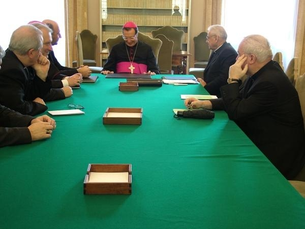 Ad limina apostolorum