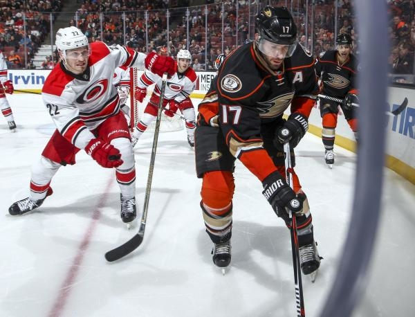 Carolina Hurricanes - Anaheim Ducks