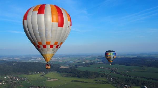 Dokument Závody balónem okolo světa!