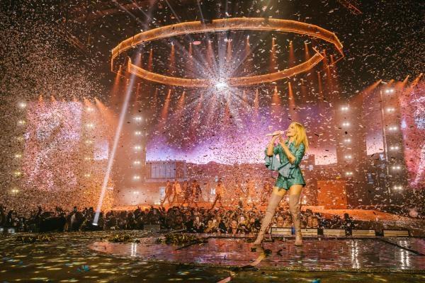 Kylie Minogue: Golden Tour Live
