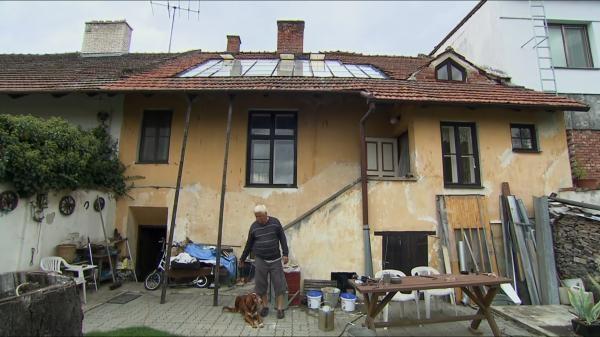 Dokument Rodinné křižovatky: Julie a Mireček