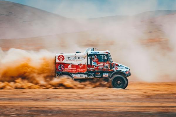 Svět motorů: InstaForex Loprais na Dakaru