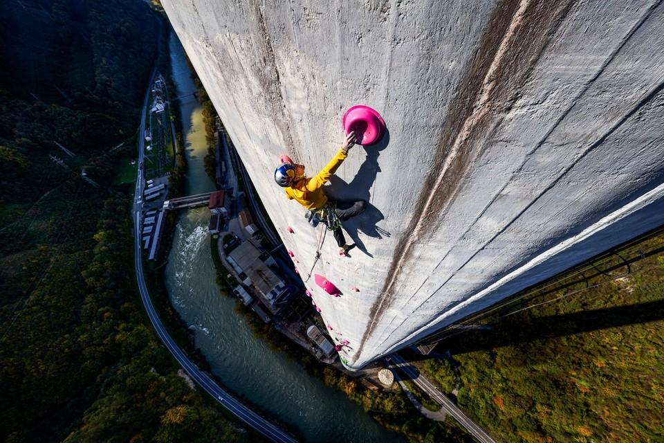 Dokument 360 Ascent: Souboj o nejvyšší komín v Evropě